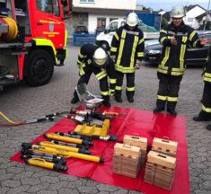 Übung: Technische Hilfeleistung Verkehrsunfall