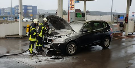 F 1: Fahrzeugbrand, Kapellenstraße, Offheim